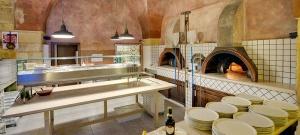 4 forni a legna pizzeria Bella'mbriana salento lecce
